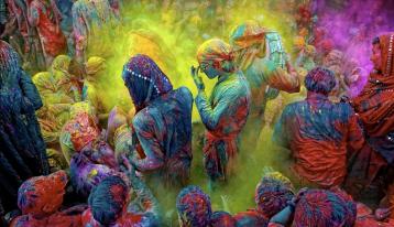 holi-festival-colours-india33545451