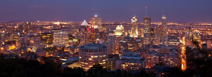 Montreal_night_view_from_chalet_du_Mont_Royal